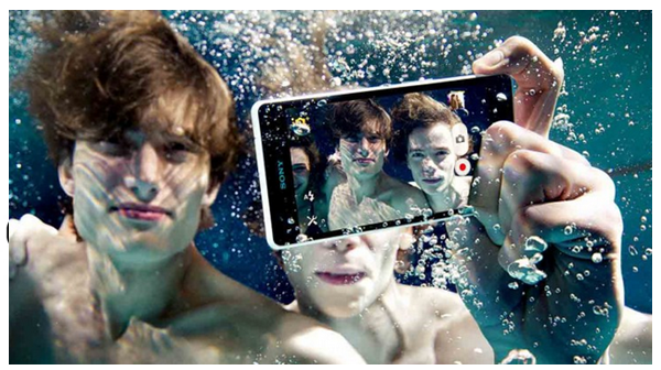 Android phones like the Sony Experia Z can be used underwater without a special case.